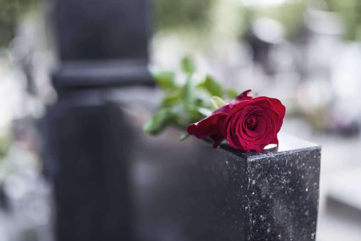 assurance obsèques organisation financement funérailles